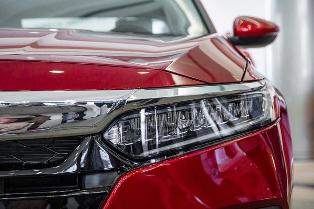 Ngắm vẻ đẹp của Honda Accord 2018 qua những hình ảnh bằng xương, bằng thịt - Ảnh 4.