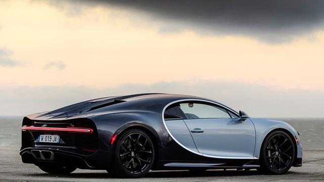 Siêu xe Bugatti Chiron tiêu thụ lượng xăng trung bình 21,38 lít/100 km - Ảnh 1.