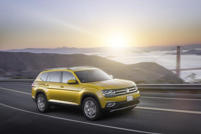 Crossover 7 chỗ Volkswagen Atlas 2018 bán chạy hơn đối thủ Mazda CX-9 - Ảnh 1.