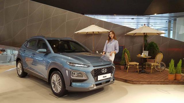 Dù có giá chưa đến 400 triệu Đồng, Kia Stonic vẫn bán thua người anh em Hyundai Kona - Ảnh 2.