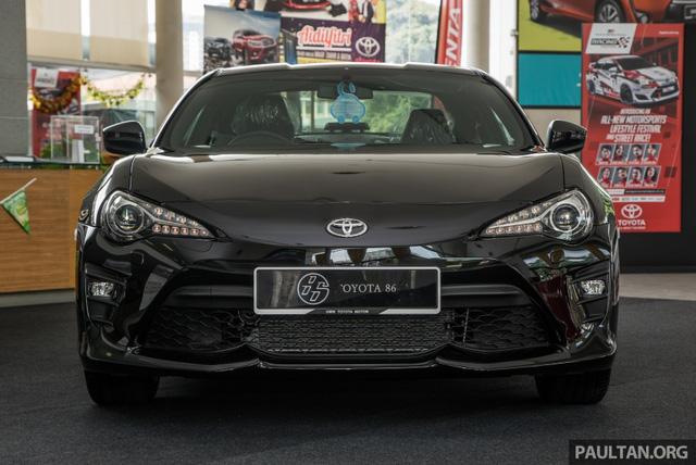 Phiên bản mới của mẫu xe từng ế nhất Việt Nam ra mắt tại Malaysia với giá 1,36 tỷ Đồng - Ảnh 1.