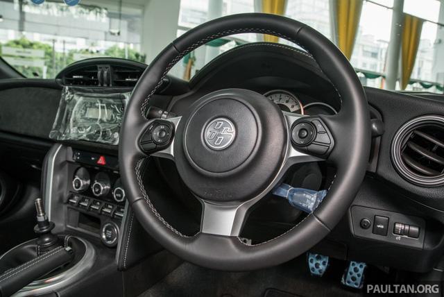 Phiên bản mới của mẫu xe từng ế nhất Việt Nam ra mắt tại Malaysia với giá 1,36 tỷ Đồng - Ảnh 7.