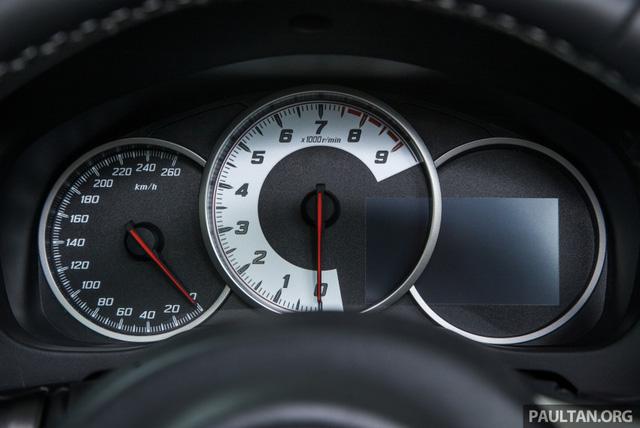 Phiên bản mới của mẫu xe từng ế nhất Việt Nam ra mắt tại Malaysia với giá 1,36 tỷ Đồng - Ảnh 8.