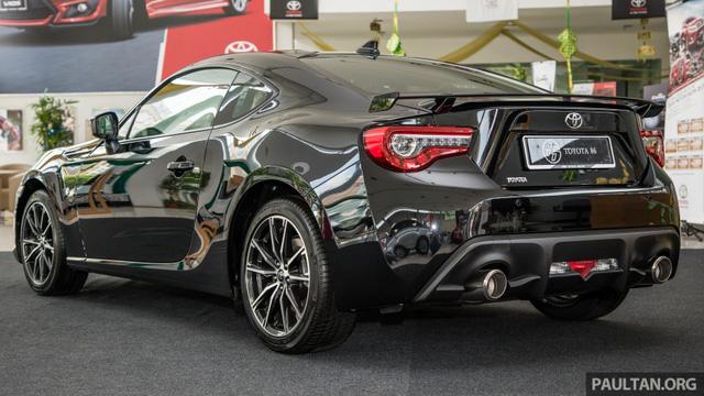 Phiên bản mới của mẫu xe từng ế nhất Việt Nam ra mắt tại Malaysia với giá 1,36 tỷ Đồng - Ảnh 12.
