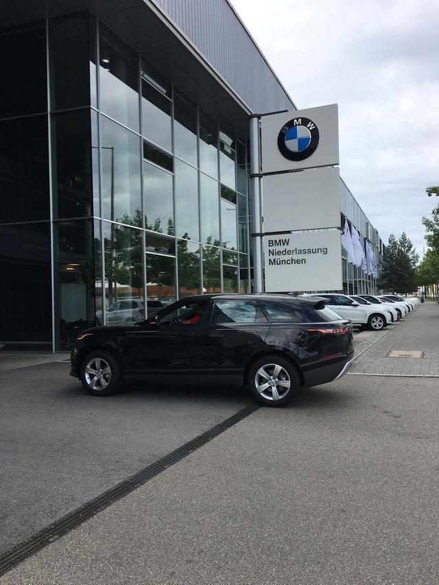 Bắt gặp chiếc SUV hạng sang Range Rover Velar 2018 được đưa đến đại lý - Ảnh 4.