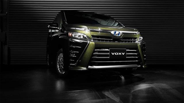Mẫu MPV mới sắp ra mắt Đông Nam Á của Toyota bị bắt gặp trên đường phố - Ảnh 4.