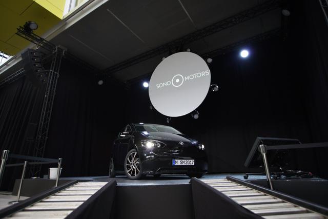 Sono Sion - Xe 5 chỗ chạy bằng năng lượng mặt trời hoàn toàn mới - Ảnh 1.