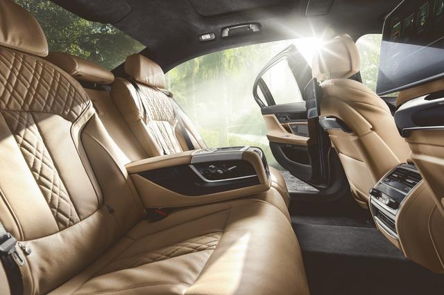 Alpina B7 Bi-Turbo 2017 - Phiên bản nhanh như siêu xe của BMW 7-Series - Ảnh 8.