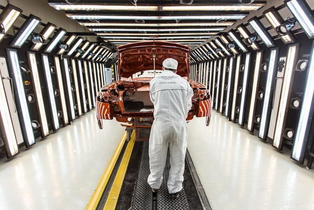 Khám phá dây chuyền sản xuất mãnh thú Aston Martin DB11 - Ảnh 14.