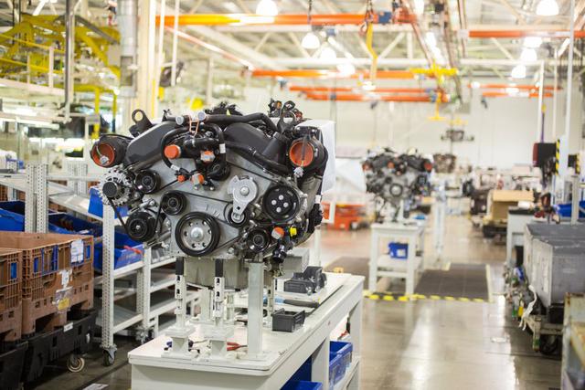 Khám phá dây chuyền sản xuất mãnh thú Aston Martin DB11 - Ảnh 18.