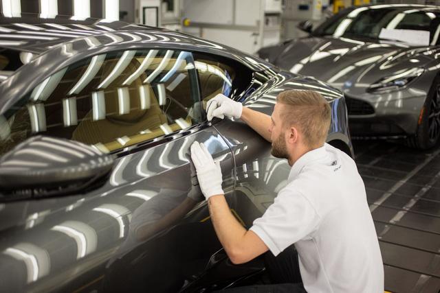 Khám phá dây chuyền sản xuất mãnh thú Aston Martin DB11 - Ảnh 26.