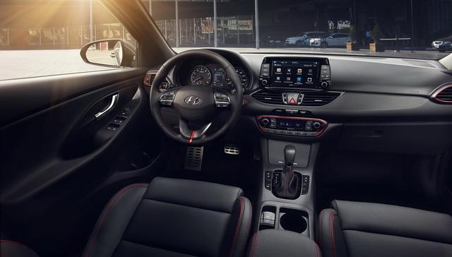 Xe gia đình với cốp siêu rộng Hyundai Elantra GT 2018 có giá tốt - Ảnh 5.