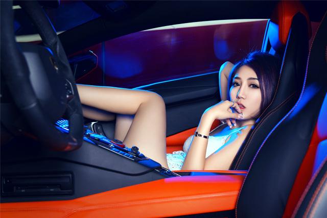 Mê mệt với cô nàng bên Lamborghini Aventador LP-700 - Ảnh 5.