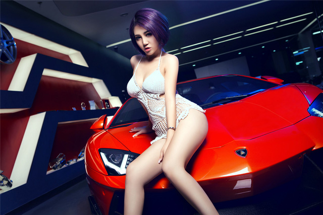 Mê mệt với cô nàng bên Lamborghini Aventador LP-700 - Ảnh 12.
