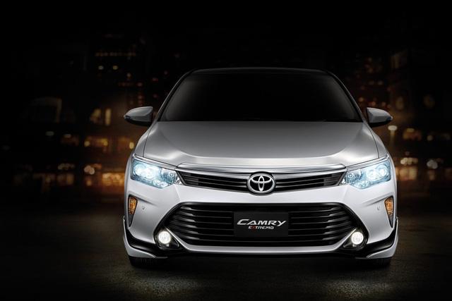 Toyota tung ra Camry 2.0G Extremo 2017 với giá từ 1,04 tỷ Đồng - Ảnh 1.
