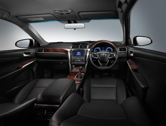 Toyota tung ra Camry 2.0G Extremo 2017 với giá từ 1,04 tỷ Đồng - Ảnh 4.
