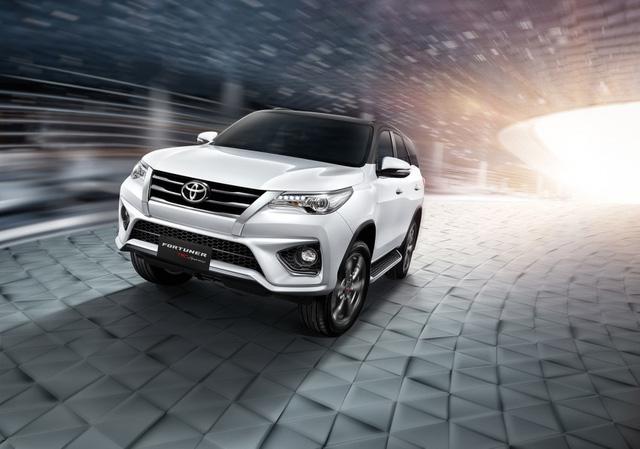 Toyota Fortuner 2017 chính thức ra mắt Đông Nam Á với trang bị tốt hơn - Ảnh 4.