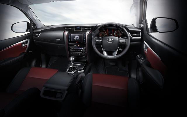 Toyota Fortuner 2017 chính thức ra mắt Đông Nam Á với trang bị tốt hơn - Ảnh 7.