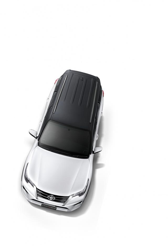 Toyota Fortuner 2017 chính thức ra mắt Đông Nam Á với trang bị tốt hơn - Ảnh 12.