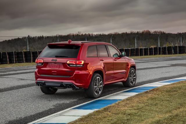 Jeep Grand Cherokee Trackhawk 2018 - xe SUV thương mại mạnh nhất thế giới - được chốt giá - Ảnh 3.