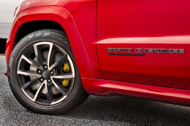 Jeep Grand Cherokee Trackhawk 2018 - xe SUV thương mại mạnh nhất thế giới - được chốt giá - Ảnh 6.