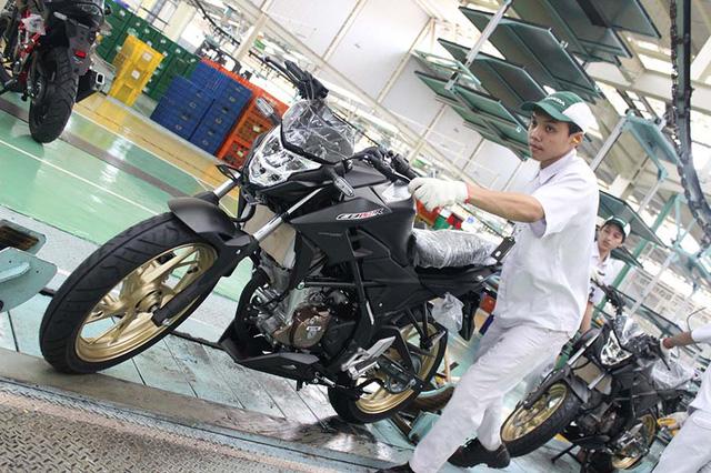Xe côn tay Honda CB150R StreetFire có thêm 4 màu sơn mới, giá từ 44 triệu Đồng - Ảnh 3.
