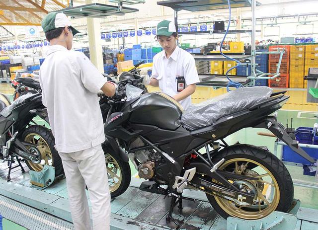 Xe côn tay Honda CB150R StreetFire có thêm 4 màu sơn mới, giá từ 44 triệu Đồng - Ảnh 4.