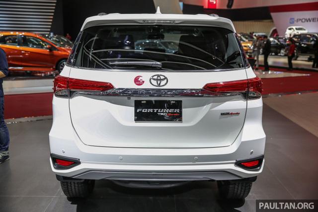 Toyota Fortuner TRD Sportivo 2017 ra mắt Đông Nam Á với giá từ 897 triệu Đồng - Ảnh 6.