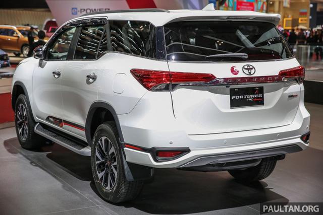 Toyota Fortuner TRD Sportivo 2017 ra mắt Đông Nam Á với giá từ 897 triệu Đồng - Ảnh 7.