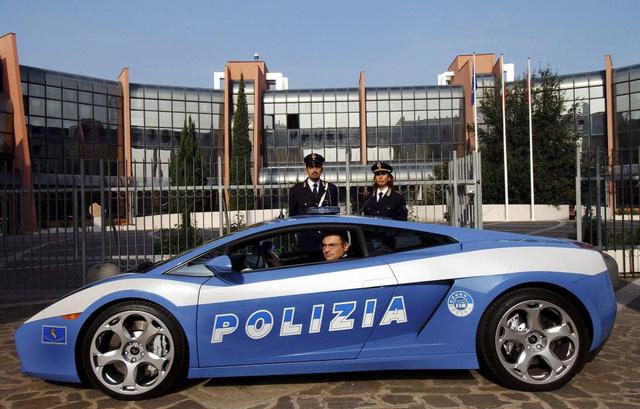 Điểm danh những chiếc xe cảnh sát chất nhất thế giới - Ảnh 7.