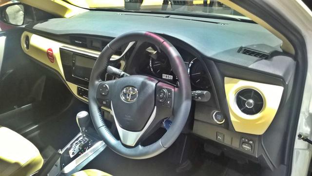 Toyota Corolla Altis 2017 vừa ra mắt Việt Nam có phiên bản đặc biệt mới - Ảnh 4.