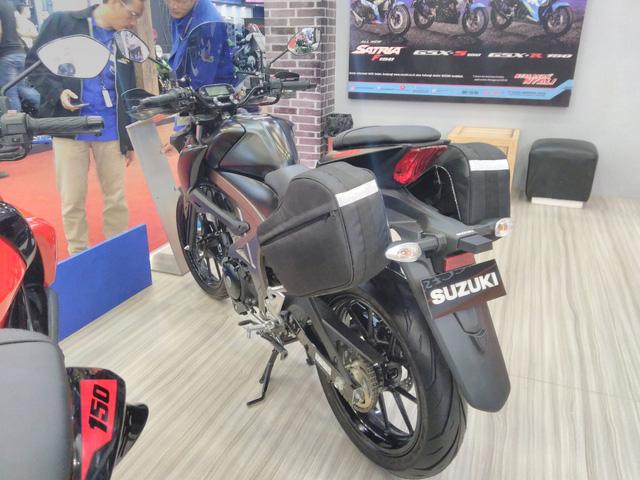 Cận cảnh phiên bản Touring của Suzuki GSX-S150 mới ra mắt Việt Nam - Ảnh 2.