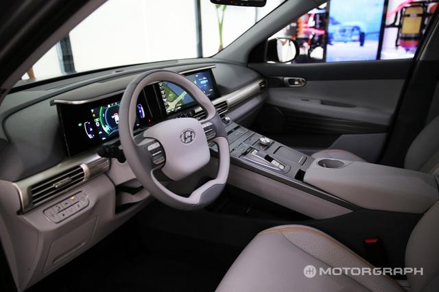 Hyundai bất ngờ vén màn mẫu SUV mới chạy bằng hy-đrô - Ảnh 7.