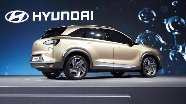 Hyundai bất ngờ vén màn mẫu SUV mới chạy bằng hy-đrô - Ảnh 8.