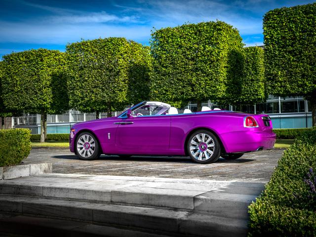 Diện kiến Rolls-Royce Dawn màu tím thửa riêng của một nhà sưu tập xe nổi tiếng - Ảnh 2.