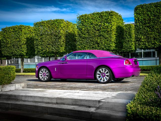 Diện kiến Rolls-Royce Dawn màu tím thửa riêng của một nhà sưu tập xe nổi tiếng - Ảnh 3.