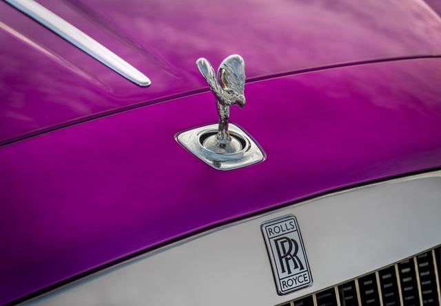 Diện kiến Rolls-Royce Dawn màu tím thửa riêng của một nhà sưu tập xe nổi tiếng - Ảnh 4.
