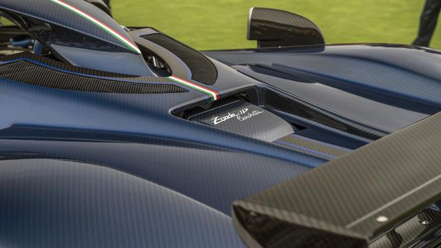 Zonda HP Barchetta - Siêu xe đặc biệt mừng sinh nhật ông chủ hãng Pagani - Ảnh 14.