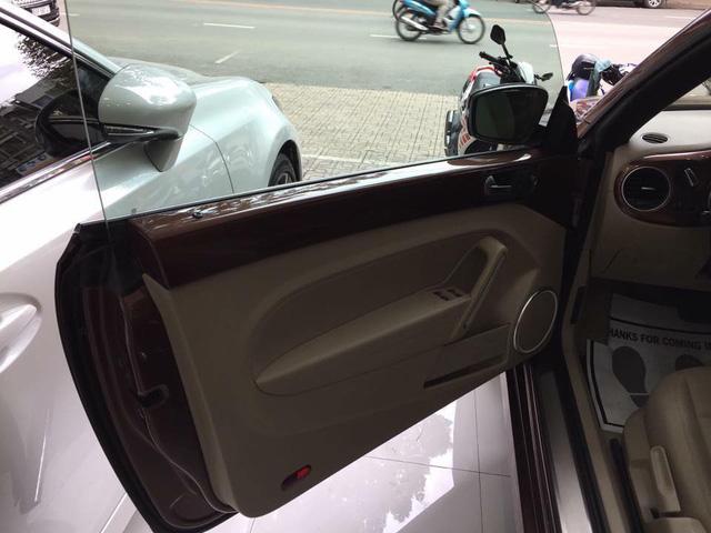 """Con bọ"" Volkswagen Beetle Convertible 2017 cập bến Việt Nam - 11"