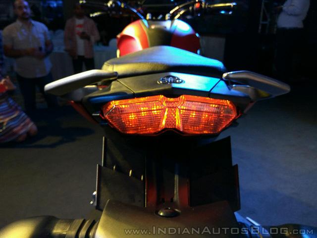 Mô tô bình dân Yamaha Fazer 25 chính thức trình làng, giá từ 45,5 triệu Đồng - Ảnh 12.