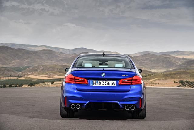 Sedan hiệu suất cao BMW M5 2018 chính thức được vén màn - 12