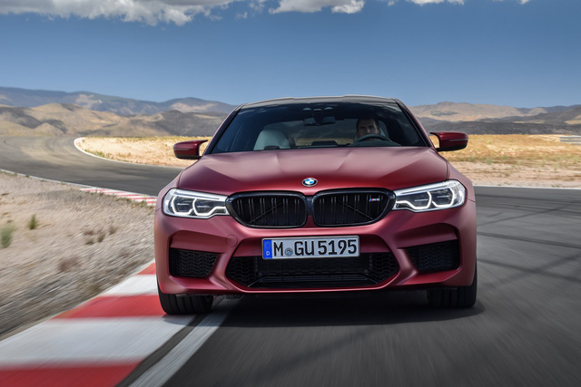 Sedan hiệu suất cao BMW M5 2018 chính thức được vén màn - 19