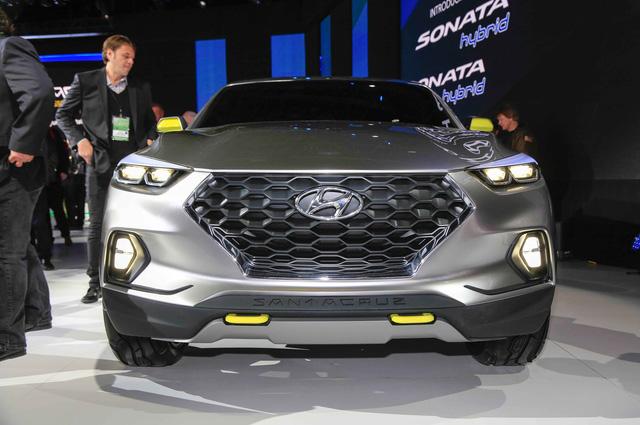 Xe bn ti Hyundai Santa Cruz chnh thc c bt n xanh - nh 2