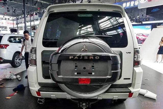 Phiên bản mới của Mitsubishi Pajero - SUV 7 chỗ không ai thèm mua tại Việt Nam - chính thức trình làng - Ảnh 3.