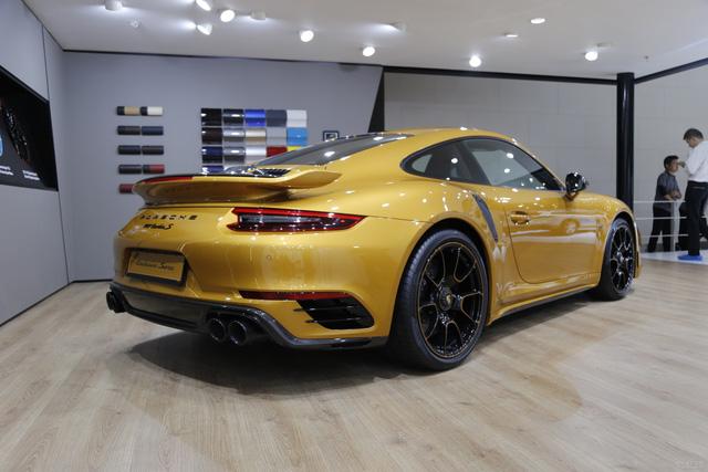 Porsche 911 Turbo S Exclusive Series có giá chỉ hợp với nhà giàu tại đất nước tỷ dân - 03