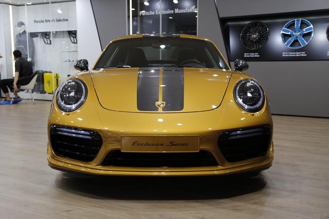 Porsche 911 Turbo S Exclusive Series có giá chỉ hợp với nhà giàu tại đất nước tỷ dân - 06