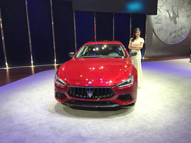 Vén màn sedan hạng sang Maserati Ghibli 2018 với giá từ 3,16 tỷ Đồng - Ảnh 1.