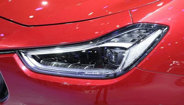 Vén màn sedan hạng sang Maserati Ghibli 2018 với giá từ 3,16 tỷ Đồng - Ảnh 3.