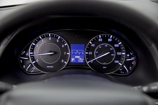 SUV 8 chỗ Nissan Armada 2018 trình làng với công nghệ mới, đối đầu Toyota Sequoia - Ảnh 11.