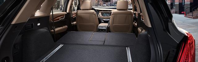 SUV hạng sang Cadillac XT5 có thêm phiên bản tiết kiệm xăng, giá từ 1,86 tỷ Đồng - Ảnh 5.